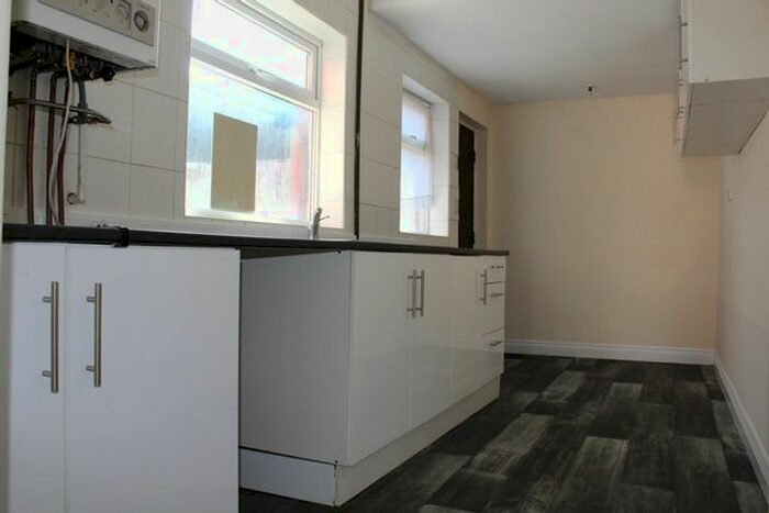 houses to rent in merlin way hartlepool