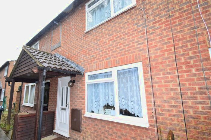 Houses To Rent In The Middle Way Hp12 Buckinghamshire