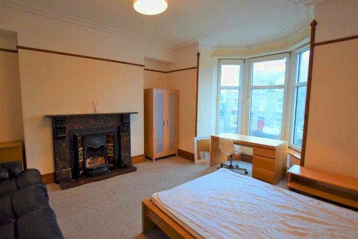 5 Bedroom Flat To Rent In King Street Old Aberdeen Aberdeen Ab24