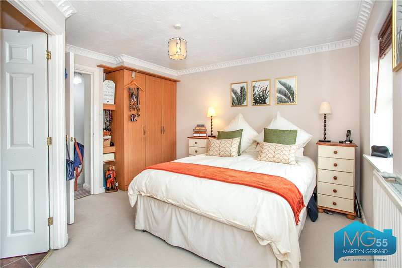 4 Bedroom House For Sale In Cheddar Close, Friern Barnet ...