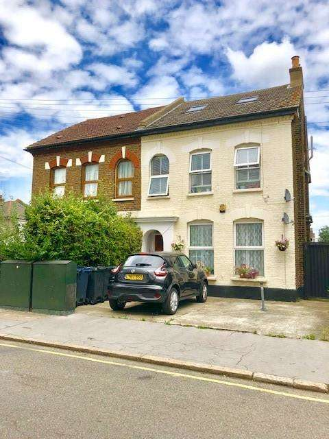 Houses for sale & to rent in SE25 4UF, Portland Road ...