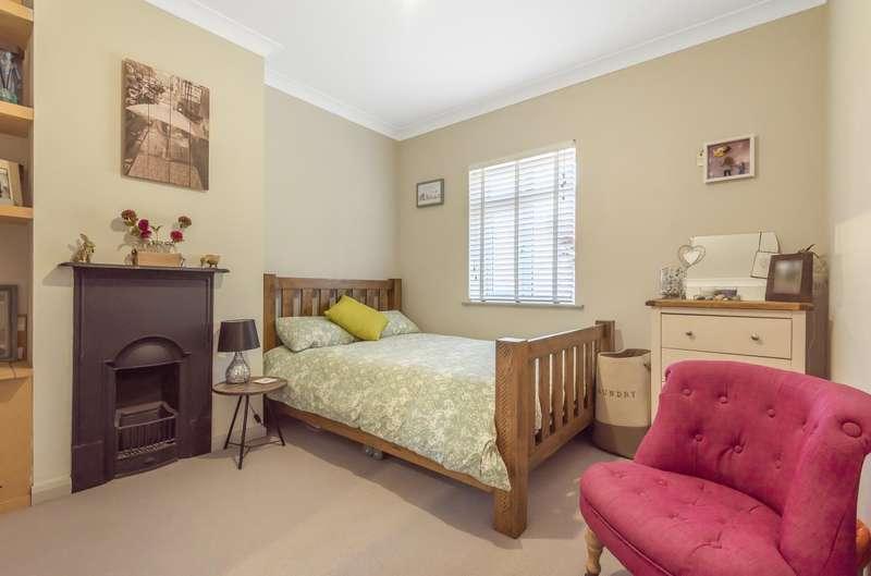 4 Bedroom House Under Offer In Dover House Road, Putney, SW15