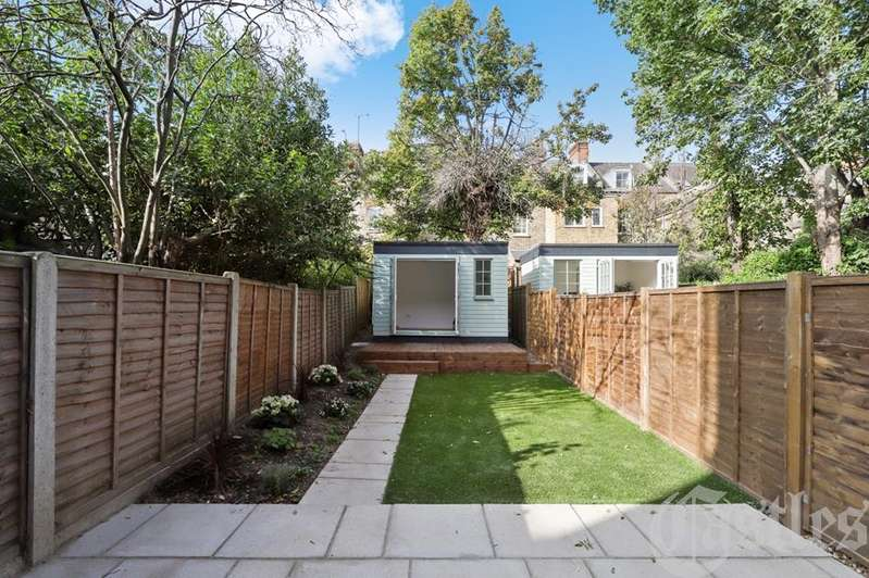 4 Bedroom Flat For Sale In Ferme Park Road, Crouch End ...