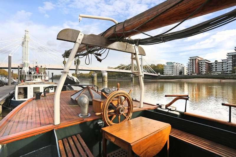 2 Bedroom House Boat Character Property For Sale In ...