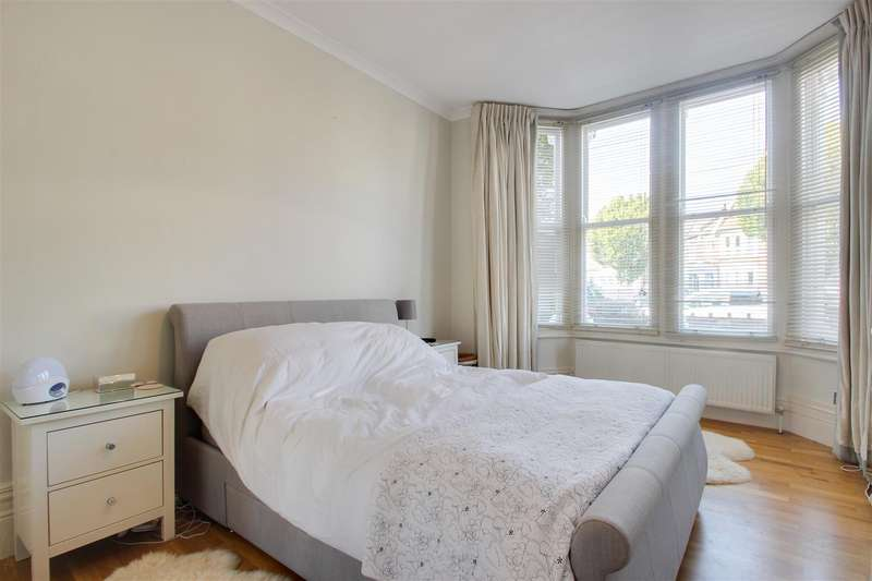 2 Bedroom Flat For Sale In Bargery Road, London, SE6