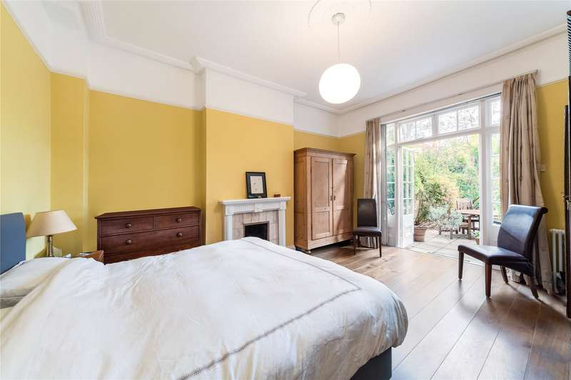 2 Bedroom Flat For Sale In Marlborough Crescent, Chiswick ...
