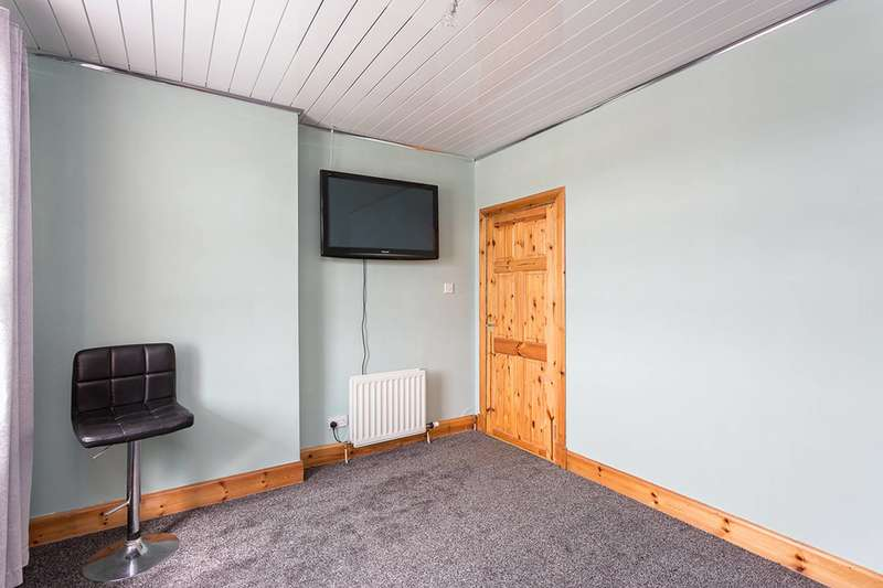 2 Bedroom Flat For Sale In Ballantrae Road, Dundee, DD4