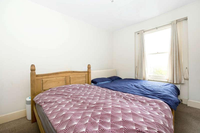 2 Bedroom Flat For Sale In Silverdale, London, SE26